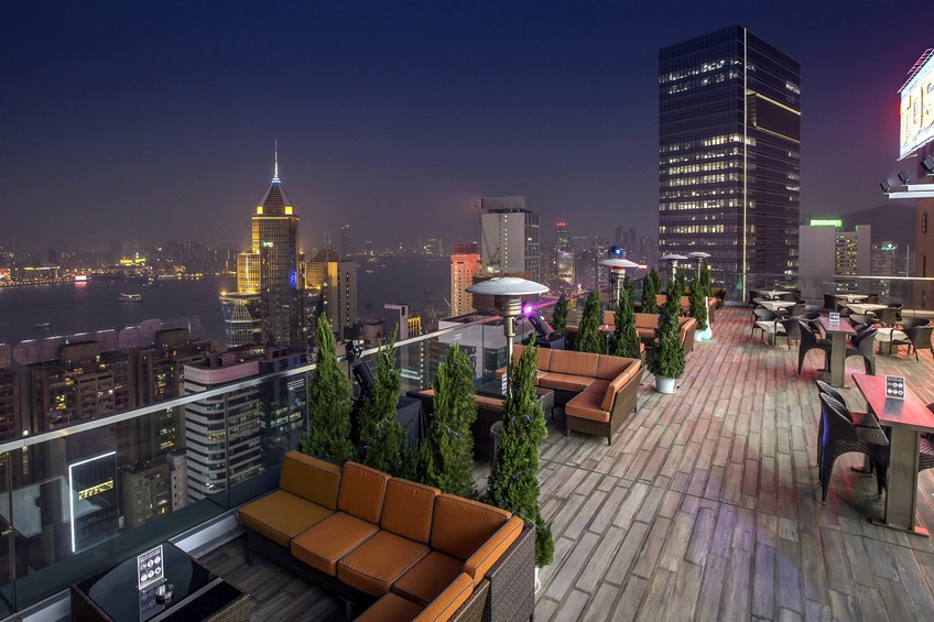 Top-15 Hong Kong rooftop bars - 270 Degrees Rooftop Bar by Harlan Goldstein