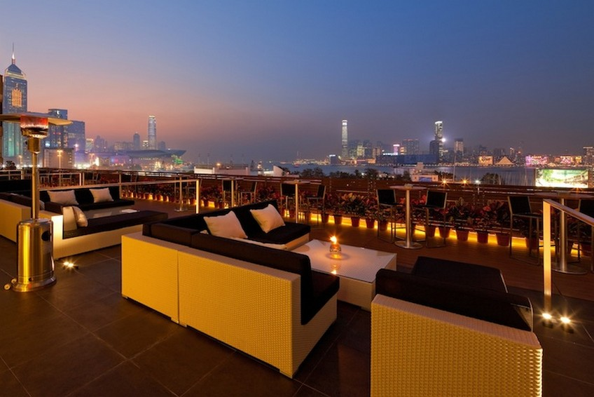 Top-15 Hong Kong rooftop bars - Hooray Bar & Restaurant